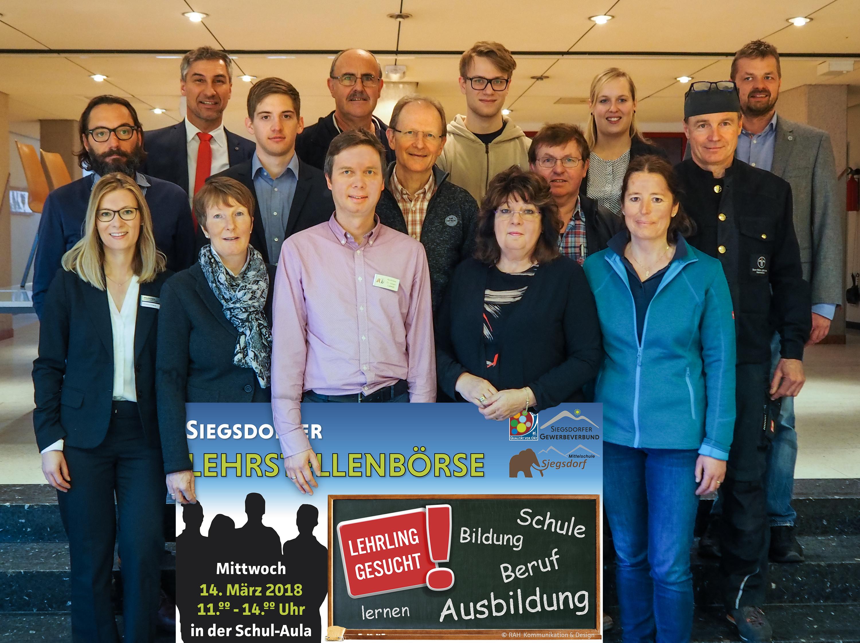 Die Rektoren der Mittelschule und Repräsentanten der Siegsdorfer Firmen